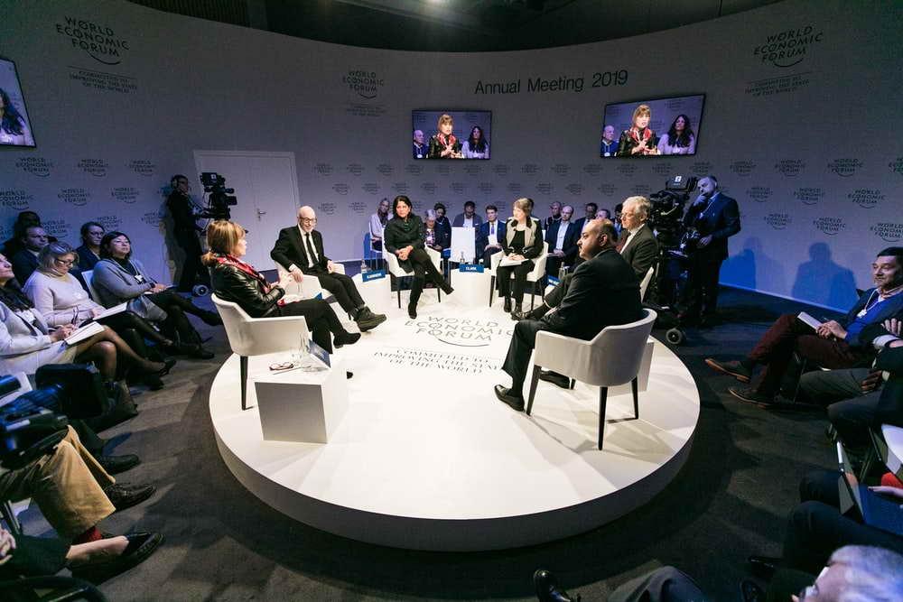 Премьер-министры Сербии и Косово «обменялись любезностями» в Тиране