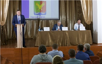«В планах немало новых проектов»: Дмитрий Свиридов посетил Уярский район и пообещал содействие в строительстве школы