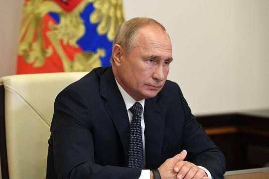 Путин ушёл на самоизоляцию из-за случаев COVID-19 в его окружении
