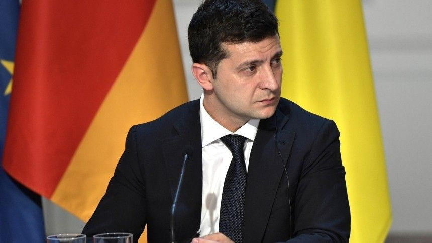 Зеленскому может грозить импичмент за отстранение главы Конституционного суда
