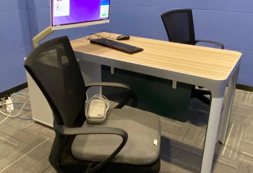 Китайская компания следила за сотрудниками через специальные подушки для стульев