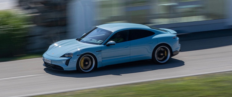 В прошлом году было продано более 20 000 электромобилей Porsche Taycan