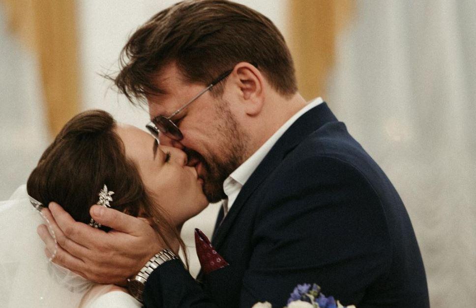 Звезда «Счастливы вместе» Виктор Логинов задумался о шестом ребенке