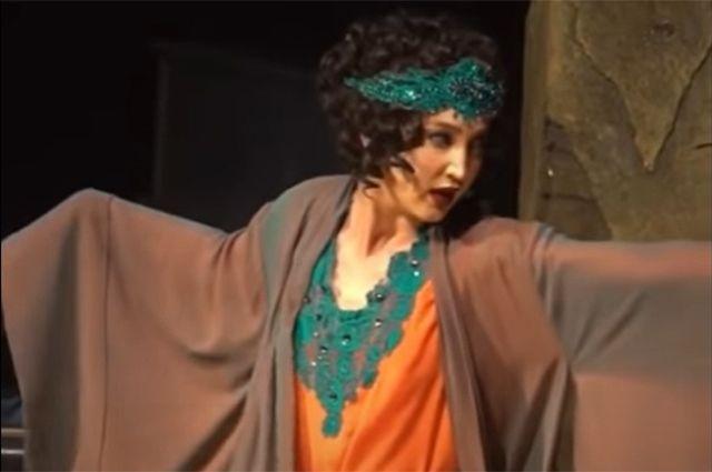«Конечно, мы хайпанули». Почему Ольга Бузова выступит на сцене МХАТа