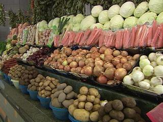 В России начали дешеветь морковь и картофель, но подорожала капуста