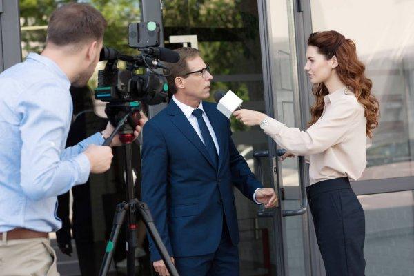 Штраф за пользование телефоном за рулём предложено увеличить в несколько раз