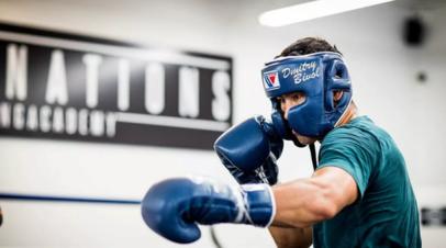 Менеджер Бивола назвал имя потенциального соперника российского боксёра