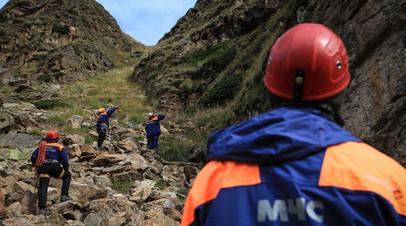 Группу попавших под камнепад туристов эвакуируют в Кабардино-Балкарии