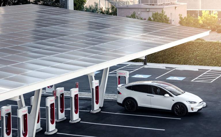 Илон Маск: Tesla SuperCharger станут доступны для всех электромобилей