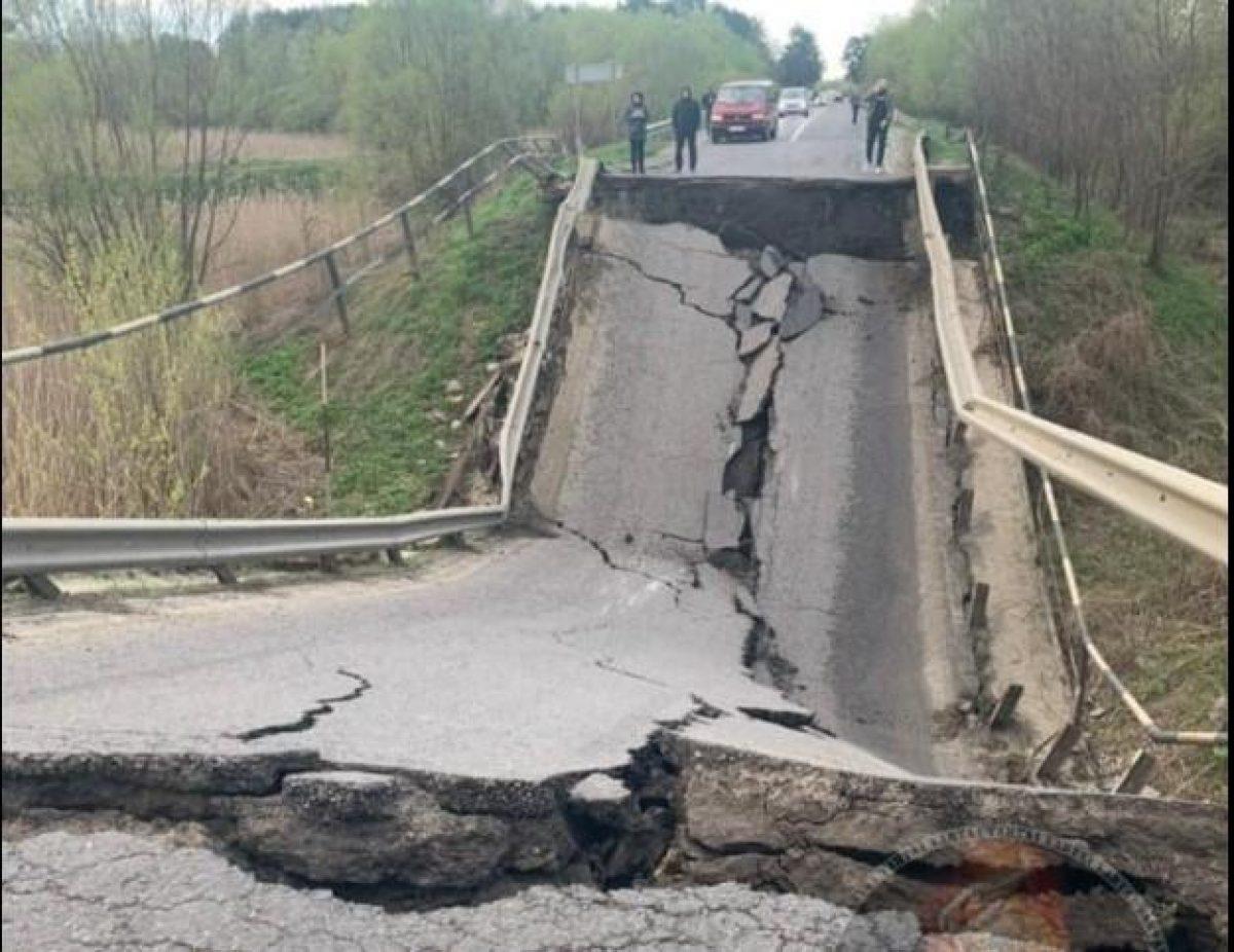 Восстановление обрушившегося моста на Львовщине начнется в максимально короткие сроки - Укравтодор