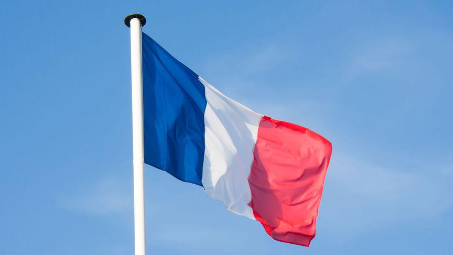 Мэрия Нижневартовска объяснила флаги Франции на площади