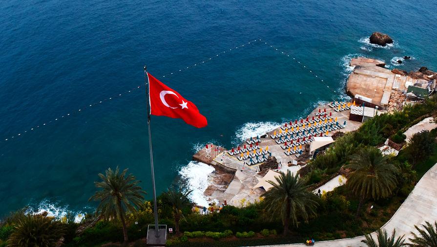 В Турции назвали число вакцинированных сотрудников отелей