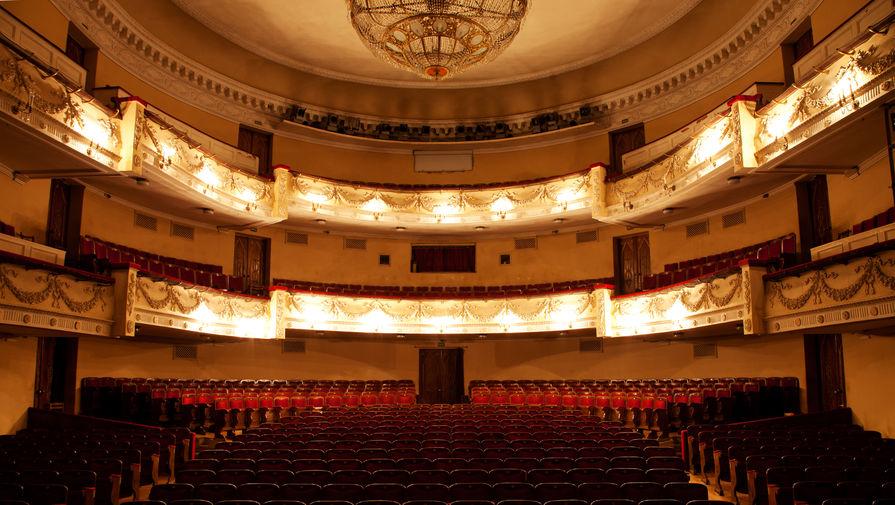 В Петербурге допустимая заполняемость театров повышена до 50%