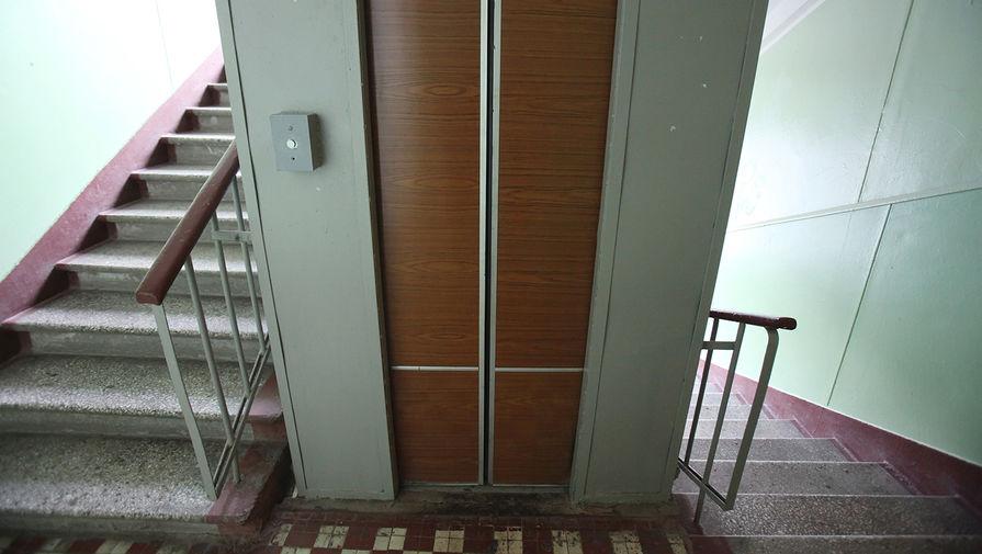 Прокуратура проводит проверку после падения лифта с ребенком в Красноярске