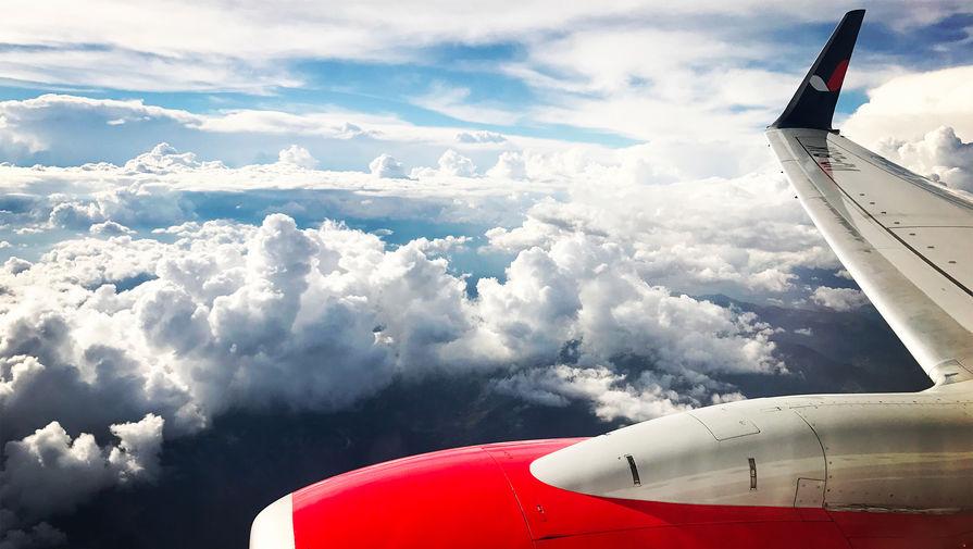 Самолет из Йошкар-Олы в Москву вернулся в аэропорт вылета из-за отказа двигателя
