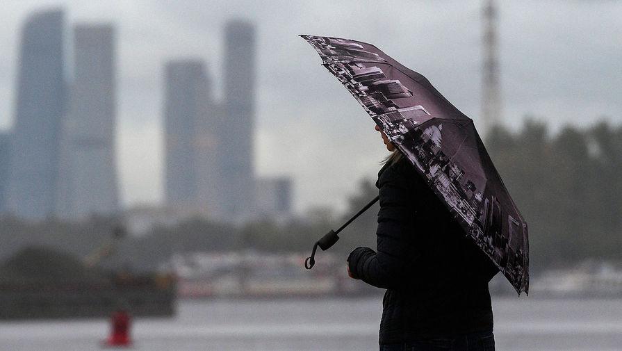 Москвичей предупредили о дождях в День Победы