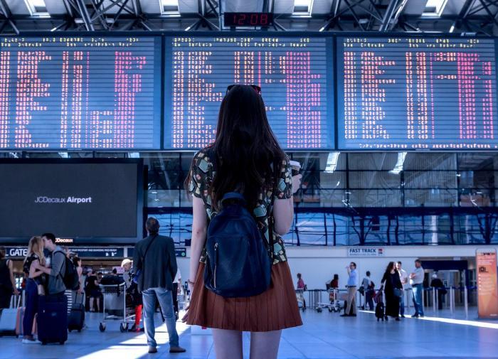 Россиян призвали отказаться от поездок за границу