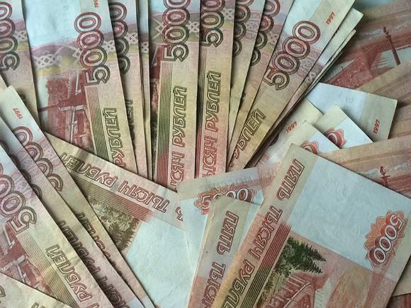Из квартиры 92-летней москвички вынесли 4,5 млн рублей