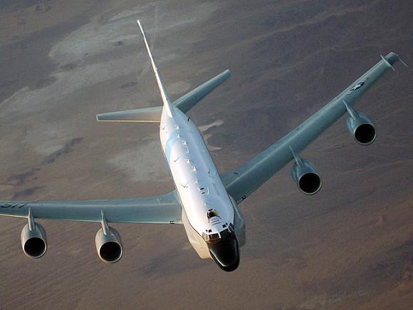 У российских границ несколько часов кружил американский самолет-разведчик