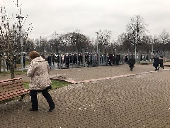 В Петербурге эвакуируются суды