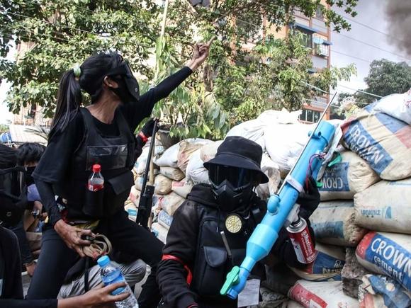 Анадолу: Не менее 180 сторонников хунты убиты за месяц в Мьянме
