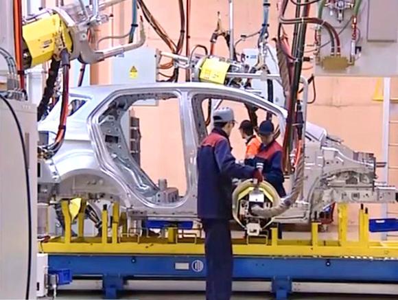 В Таиланде три завода Toyota остановили конвейеры из-за нехватки запчастей