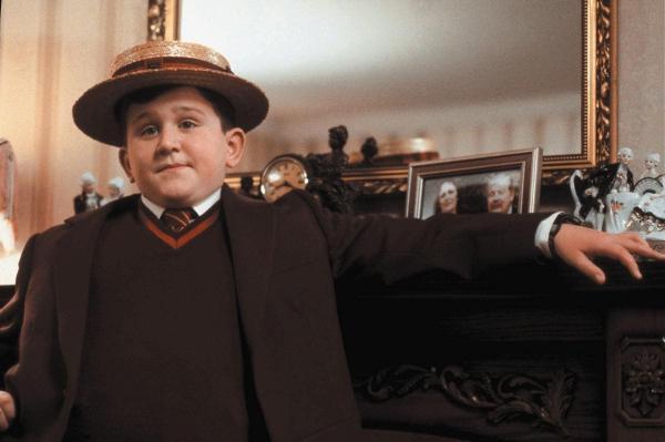 Поттероманы увидели в «Ходе королевы» знакомого персонажа. Это Дадли Дурсль, и он будто выпил Оборотное зелье