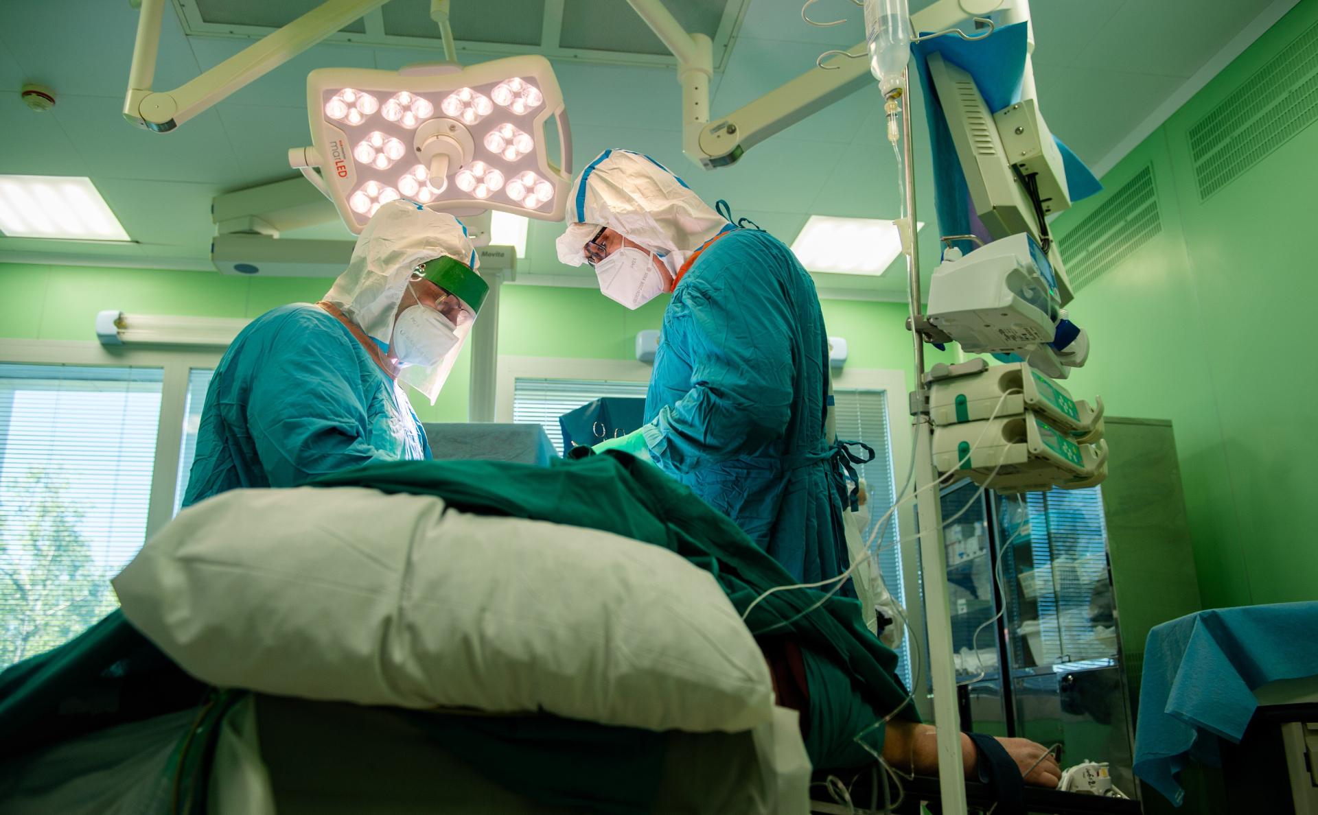 Минздрав предупредил о риске тромбозов у трети переболевших COVID