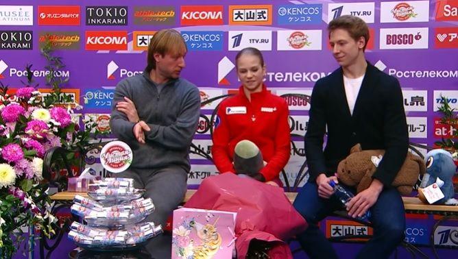 «Не люблю я мороженое!» Трусова отклонила предложение Плющенко после неудачного проката: видео