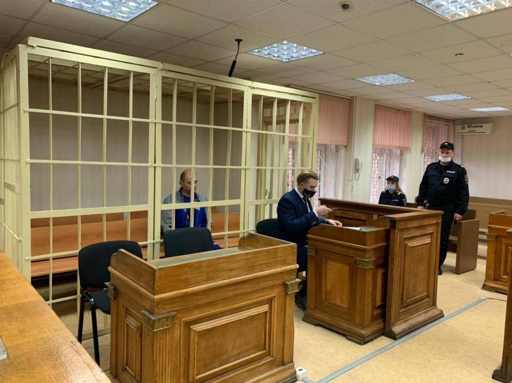 Рядового сотрудника, проводившего дезинсекцию в 'Магните', арестовали на два месяца