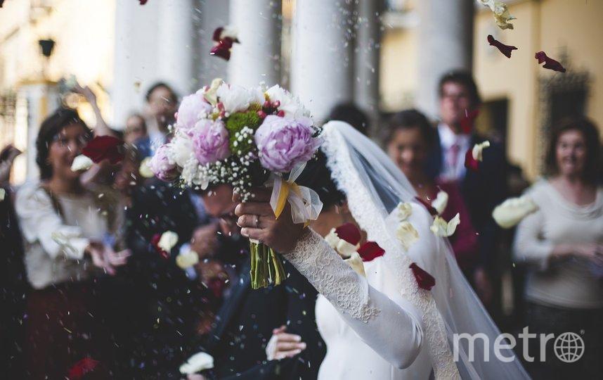 Свадьба в США привела к вспышке коронавируса и смерти 7 человек