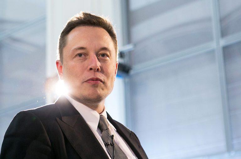 Биткоин вырос после слов Маска о возможном принятии криптовалюты в качестве оплаты Tesla